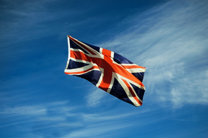 british_flag_in_the_wind_207012
